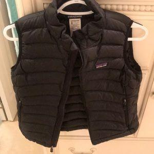 Patagonia women's black down vest, S